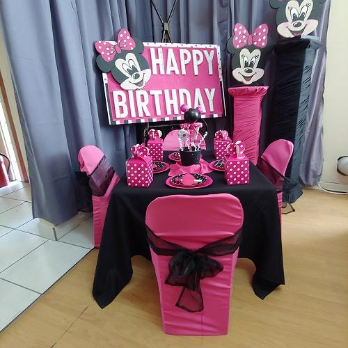 Minnie mouse party decor