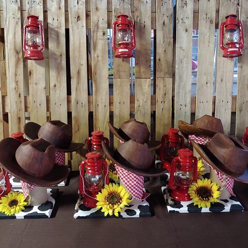 Cowboy centrepieces