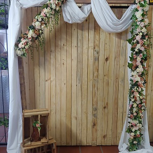 Wooden arch rose gold flowers