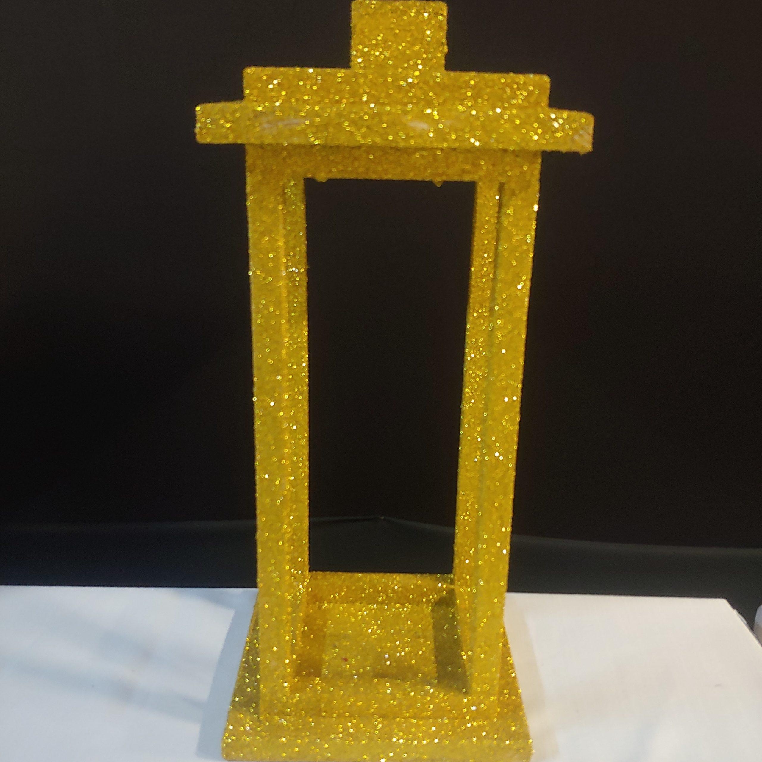 Wooden lantern gold