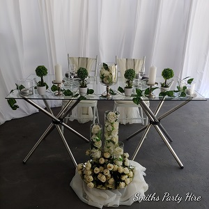 Glass bridal table